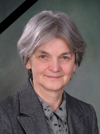 dr. Tóth Klárára emlékezünk