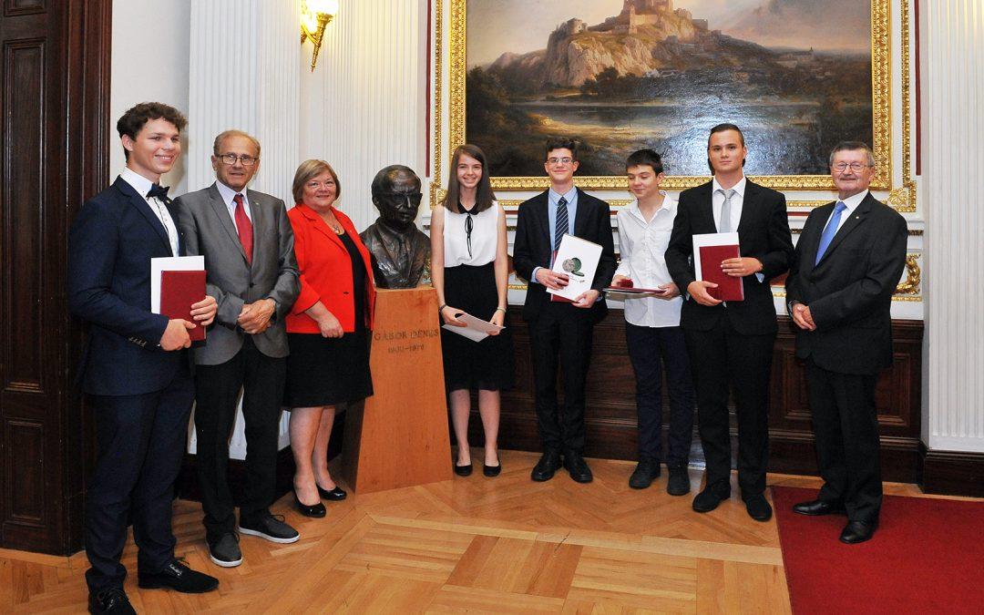 Összefoglaló a Gábor Dénes Középiskolai Ösztöndíj átadásról