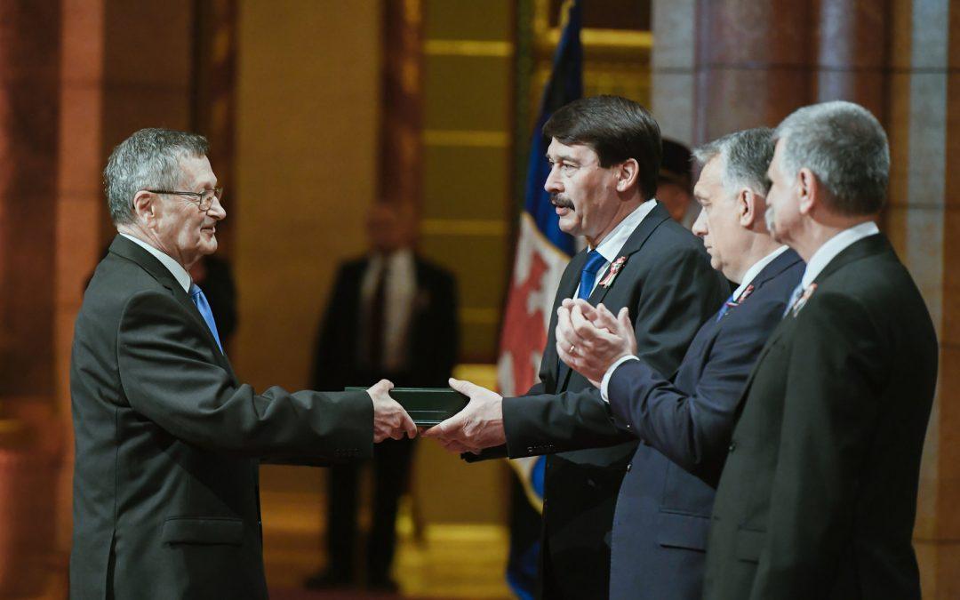 Gábor Dénes díjasok kitüntetése