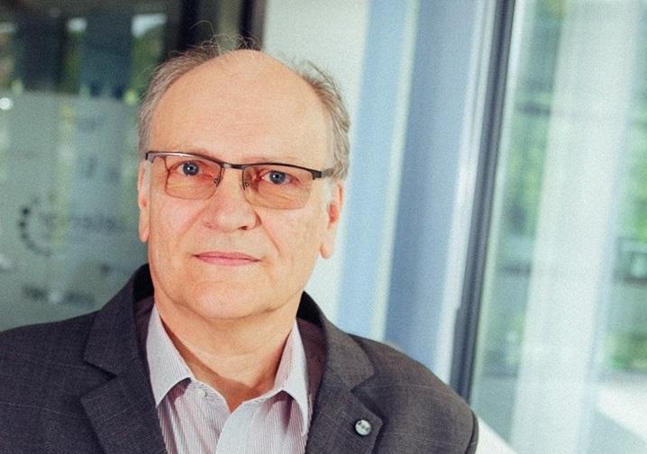 Puskás Tivadar-díjat kapott Dr. Drozdy Győző